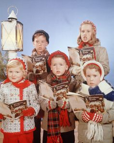18 vintage photos that will make you nostalgic for christmases past - 1950s Christmas