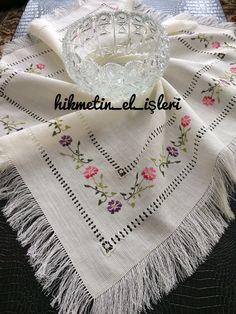 Sipariş için 👉 www.instagram.com/hikmetin_el_isleri Bargello, Cross Stitch, Embroidery, Crochet, Makeup, Instagram, Towels, Facts, Table Toppers