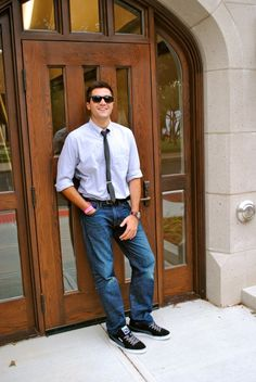 jeans and button ups with a tie.