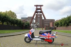Der Amber Scoot Elektro-Roller aus der Retro Line Serie im UK Look  - ab 1.599 Euro www.amberscoot.de