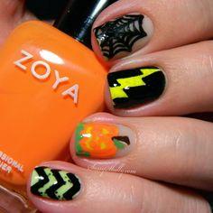 Glow In The Dark Halloween Nail Art  |  Sassy Shelly  #halloween #spooky #nails #nailart