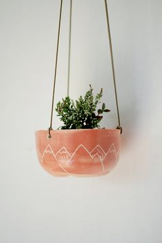 Jardinière en suspension porcelaine musc par HangWithMeCeramics