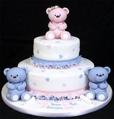 003202 Christening Cake with Hand-Made Sugarpaste Bears.jpg 768×800 pixels