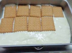 mpiskota me krema sto tapsi Best Dessert Recipes, Greek Recipes, Easy Desserts, Cake Recipes, Food Network Recipes, Cooking Recipes, The Kitchen Food Network, Greek Sweets, Homemade Sweets