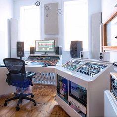 "7,886 mentions J'aime, 53 commentaires - Music Studios (@musicstudios) sur Instagram: ""@transmitterparkstudio www.transmitterparkstudio.com  #musicstudio #musicproduction #studioporn…"""