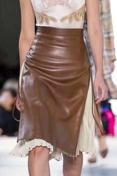 Spring Fashion, High Fashion, Womens Fashion, London Fashion, Skirt Fashion, Fashion Outfits, Fashion Trends, Fashion Pics, Fashion Weeks