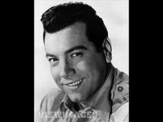 """Just Music. Mario Lanza sings """"Granada"""" by Augustin Lara in this 1952 recording with the MGM Studio Orchestra conducted by Johnny Green. Granada, Six Degrees Of Separation, Play That Funky Music, Opera Singers, Romantic Songs, Music Albums, Beautiful Voice, Bright Stars, Orchestra"""