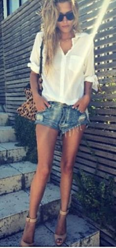 casual summer outfit ~ Loving the flannel. Casual Outfits, Summer Outfits, Cute Outfits, Estilo Cool, Look Fashion, Womens Fashion, Vogue, Look Chic, Mode Style