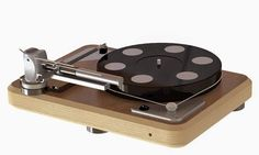 Zorin Audio turntable with tangential tonearm.