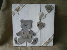 Cadre en bois avec ours et coeurs : Décoration pour enfants par l-atelierlesmursontunehistoire