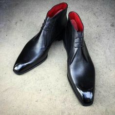 Style Chukka Wing Tip. We are specialist in making custom pure handmade shoes/boots. We are manufacturer and work on order. Leather Chukka Boots, Leather Lace Up Boots, Leather Art, Black Leather Shoes, Cow Leather, Cowhide Leather, Men's Shoes, Shoe Boots, Dress Shoes