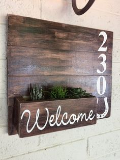 37 House numbers sign ideas For Starting Your Home Improvement - DIY Home Decor Diy Wood Projects, Home Projects, Woodworking Projects, Teds Woodworking, Name Plates For Home, Diy Mailbox, Creation Deco, House Numbers, Diy Home Improvement