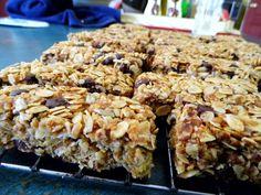 One Mother Hen: Homemade chocolate chip muesli bars