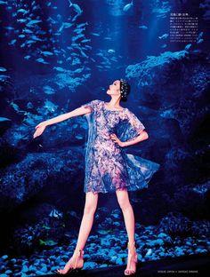 Beauty From Beneath The Sea: Chiharu Okunugi By Ellen Von Unwerth For Vogue Japan April 2014 Ellen Von Unwerth, Magazine Japan, Vogue Magazine, Vogue Japan, Fashion Colours, Blue Fashion, Women's Fashion, Fashion Trends, Beneath The Sea