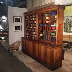 Bureau de tri postal bauche meuble de metier industriel for Meuble cabinet industriel