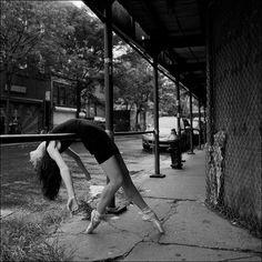 Fotógrafo registra a leveza das bailarinas no cenário urbano de NY #dance
