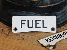 OUDE emaille bordjes FUEL