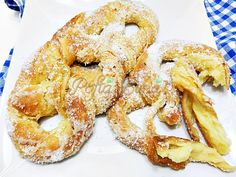 Covrigi polonezi insiropati Pastry And Bakery, Pastry Cake, Eastern European Recipes, Sweet Dough, Romanian Food, Food To Make, Cake Recipes, Good Food, Cooking Recipes