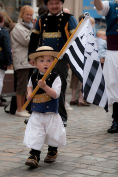 Proud of the people Folk Costume, Costumes, Breizh Ma Bro, Region Bretagne, Brest Bretagne, Celtic Nations, Belle France, Little Britain, Brittany France