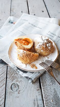 Wachauer apricot dumplings with sweet nut crumbs - mhhh! New Recipes, Cooking Recipes, National Dish, Le Chef, Fabulous Foods, Afternoon Tea, Food Art, Camembert Cheese, Deserts
