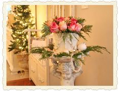 How pretty is this, make your home look like a Christmas card!
