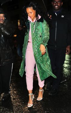 Rihanna out and about in NYC (Jan. 10)