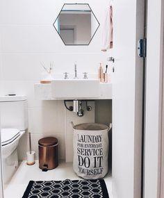 """1,780 Likes, 16 Comments - Storehouse Home Decor (@storehousehomedecor) on Instagram: """"Banheiro mais lindo do @ape2305 com nosso espelho Hexágono  #storehouse #instadecor #homedecor…"""""""