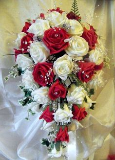 handmade brides bridal wedding flowers by BarbiesBridalPalace