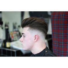 Haircut by jaysfades http://ift.tt/1SlPFqS #menshair #menshairstyles #menshaircuts #hairstylesformen #coolhaircuts #coolhairstyles #haircuts #hairstyles #barbers