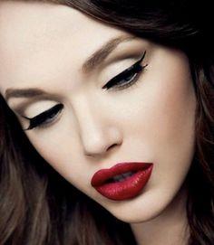 pin up make up this weeks class. Pin-up is great lips and beautiful eyes Pin Up Makeup, Cat Eye Makeup, Love Makeup, Makeup Tips, Makeup Looks, Makeup Ideas, Perfect Makeup, Classy Makeup, Glamour Makeup