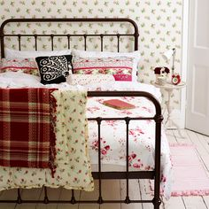 Pretty vintage bedroom. Why can't I find a queen size iron bed like this anywhere??!!!