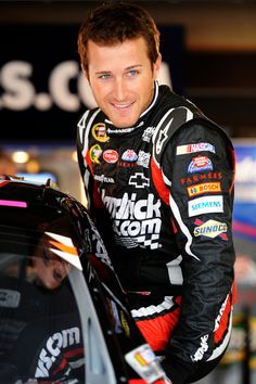 Kasey Kahne Photo - Martinsville Speedway - Day 1