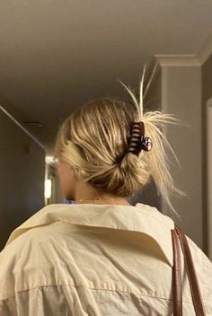 Hair Streaks, Hair Highlights, Hairstyles With Bangs, Pretty Hairstyles, Banana Clip Hairstyles, Grunge Hairstyles, Hair Inspo, Hair Inspiration, Fashion Inspiration