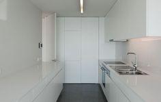 Souto+de+Moura+.+Cantareira+Building+.+Porto+%2816%29.jpg 1 582×1 000 píxeis