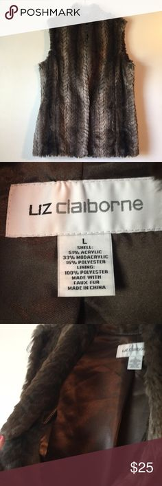 Liz Claiborne faux fur vest Authentic Liz Claiborne faux fur vest Size Large Never worn!! Smoke-free home Liz Claiborne Jackets & Coats Vests