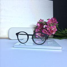 Buy eyeglasses or sunglasses online. With or without prescription lenses. Marc Jacobs Eyewear, Prescription Lenses, Eyeglasses, Sunglasses Case, Fashion, Eyewear, Moda, Fashion Styles, Glasses