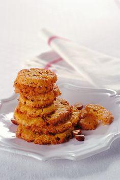 Prova i biscotti di mais e nocciole di Sale&Pepe. Scopri questa ricetta leggera e senza glutine ma assolutamente ricca di gusto e salute per i tuoi cari.