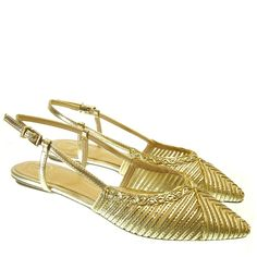 Sandália Chanel Ouro 3744 Dumond para Moselle | Moselle sapatos finos femininos! Moselle sua boutique online. Slingback Flats, Pumps, Estilo Boho, Nike, Workout Wear, Online Boutiques, Fashion Shoes, Slippers, My Style