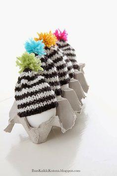 knitted egg train - Ihan Kaikki Kotona
