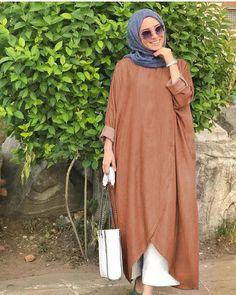 Hijab Fashion Summer, Abaya Fashion, Muslim Fashion, Fashion Dresses, Abaya Designs, Hijab Outfit, Abaya Mode, Hijab Stile, Modesty Fashion