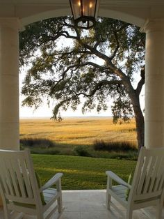 60 Awesome Farmhouse Porch Rocking Chairs Decoration - Page 39 of 57 - Abidah Decor Cottage Shabby Chic, Beautiful Homes, Beautiful Places, Beautiful Pictures, Sunroom Decorating, Decorating Ideas, Decor Ideas, Farmhouse Front Porches, Country Porches