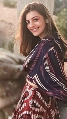 Kajal Aggarwal South Indian Actress Photo, South Actress, Indian Film Actress, Indian Actresses, Kajal Agarwal Saree, Indian Natural Beauty, Beautiful Heroine, Girls Dp Stylish, Senior Girl Poses