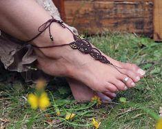 "Bijou de pied Bohème micro macramé marron et perles bronze ""Tirupati"""