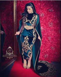 Karakou ~Algérie~ Arab Fashion, Womens Fashion, Persian Wedding, Beautiful Muslim Women, Abaya Designs, Moroccan Dress, Sexy Photography, Muslim Hijab, Traditional Dresses