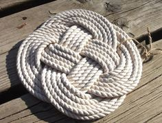 Celtic knots and nautical knots
