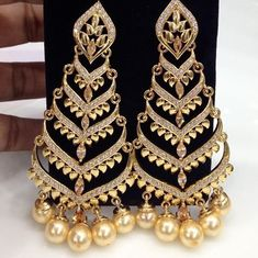 4 Clever Clever Tips: Best Jewelry Packaging jewelry accessories how to wear.Leather Jewelry Design cute jewelry to make. Indian Jewelry Earrings, Fancy Jewellery, Jewelry Design Earrings, Gold Earrings Designs, Gold Jewellery Design, Cute Jewelry, Jewelry Sets, Jewelry Accessories, Jewelry Model