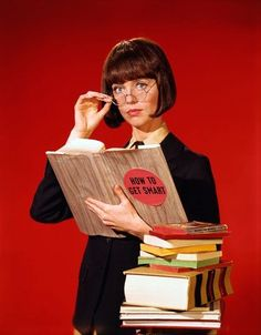 Barbara Feldon as Agent 99 in 'Get Smart'. The perfect side-kick for Maxwell Smart!