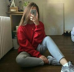 rate this outfit over 10 ☺️ Mode Outfits, Casual Outfits, Fashion Outfits, Picture Poses, Photo Poses, Mode Instagram, Shotting Photo, Girls Mirror, Selfie Poses