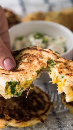 Panquequitos de Cebolleta y Queso Sandwich Recipes, Veggie Recipes, Cooking Recipes, Healthy Recipes, Deli Food, Good Food, Yummy Food, Breakfast For Dinner, Pancakes