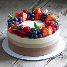 """""""Three chocolate""""/ """"Три шоколада"""". Я готовлю этот десерт через заморозку, так как мне нравятся гладкие бока торта. Именно заморозка дает…"""